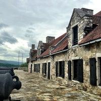 รูปภาพถ่ายที่ Fort Ticonderoga โดย L เมื่อ 6/12/2013