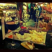 1/17/2013 tarihinde Kutay S.ziyaretçi tarafından Sensus Şarap & Peynir Butiği'de çekilen fotoğraf