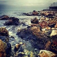 Photo prise au İnciraltı Sahili par Kaan I. le12/18/2012