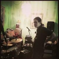 Foto tomada en Burger Records por Mr. Peter S. el 2/9/2014