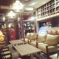 Снимок сделан в IndoChili пользователем Aunty D. 10/14/2012