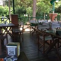 Foto scattata a Appia Antica Caffe da Claudio C. il 8/15/2014