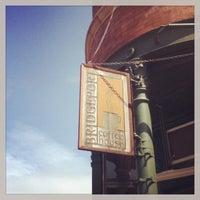 Foto tirada no(a) Bridgeport Coffee Company por Andrew W. em 6/30/2013