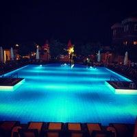 5/13/2013 tarihinde ндрей .ziyaretçi tarafından Garden Resort Bergamot'de çekilen fotoğraf