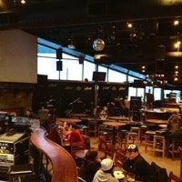 Foto tomada en (GLC) Garibaldi Lift Co. Bar & Grill por Mike A. el 3/12/2013