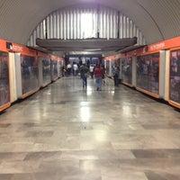 Photo prise au Metro Auditorio (Línea 7) par DF P. le5/17/2013
