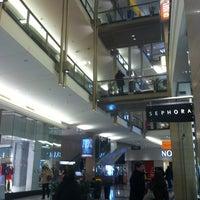 Foto tirada no(a) The Shops At North Bridge por Bill D. em 1/3/2013
