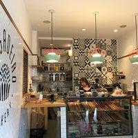 Foto tirada no(a) Brigadeiro Bakery por Stephanie P. em 4/1/2017