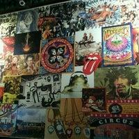 Foto diambil di Decky Bar oleh Maíra D. pada 10/25/2012
