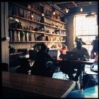 Photo taken at Songbird Coffee & Tea House by Kayo S. on 12/29/2012