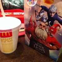 Das Foto wurde bei McDonald's von Katie H. am 12/12/2012 aufgenommen