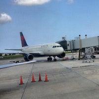 Foto scattata a Louis Armstrong New Orleans International Airport (MSY) da Ryne B. il 9/3/2013