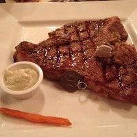 รูปภาพถ่ายที่ Taste of Texas โดย Leila J. เมื่อ 10/10/2012