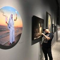 Foto tirada no(a) Last Rites Tattoo Theatre and Art Gallery por Donia em 11/8/2018