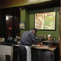 Das Foto wurde bei Di Fara Pizza von Carole C. am 1/13/2013 aufgenommen