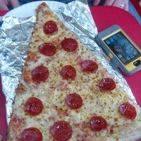 Снимок сделан в Jumbo Slice Pizza пользователем Gary D. 1/13/2013