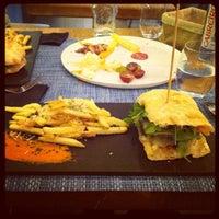 Photo prise au La T Gastrobar par Sonia P. le6/8/2013