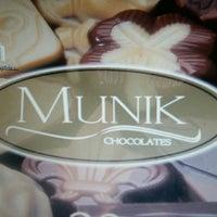 Foto tirada no(a) Chocolates Munik - Loja de Fábrica por Mauricio N. em 12/12/2014