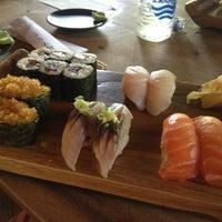 Снимок сделан в Ryoshi Japanese Restaurant пользователем Lenochka 2/6/2013