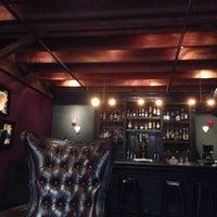 9/27/2014 tarihinde Sarra E.ziyaretçi tarafından Era Art Bar & Lounge'de çekilen fotoğraf