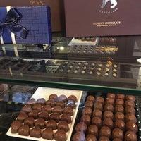 Снимок сделан в Benelux Chocolate пользователем Ahmet Halim K. 12/26/2016
