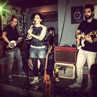 Photo prise au Factory Coffee Bar par Ilson G. le4/13/2013