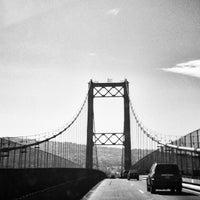 รูปภาพถ่ายที่ Vincent Thomas Bridge โดย Mitch D. เมื่อ 9/9/2013