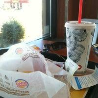 Foto tirada no(a) Burger King por Rob D. em 10/20/2012