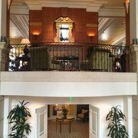 รูปภาพถ่ายที่ Casa Del Mar Hotel โดย Alissa J. เมื่อ 7/11/2013
