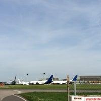 Foto tomada en Lasham Airfield por Hebert R. el 5/4/2014