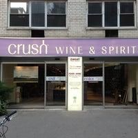 Foto scattata a Crush Wine & Spirits da Eloi G. il 11/20/2012