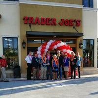 6/27/2014 tarihinde @jenvargas .ziyaretçi tarafından Trader Joe's'de çekilen fotoğraf
