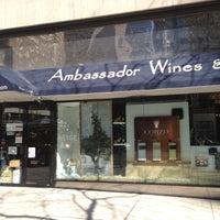 Photo prise au Ambassador Wines & Spirits par Steven B. le4/27/2013