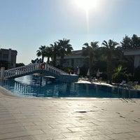 รูปภาพถ่ายที่ Golf Village BELEK โดย Ayşegül K. เมื่อ 9/21/2018
