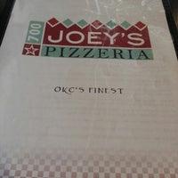 รูปภาพถ่ายที่ Joey's Pizzeria โดย Tiffany B. เมื่อ 3/28/2013