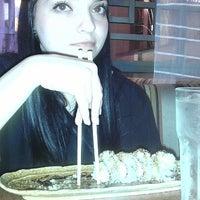 Foto scattata a Sushi Yoko da Tracie R. il 11/30/2012