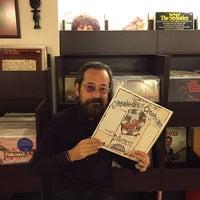 12/17/2014에 Jammin's Vinyl Records & Café님이 Jammin's Vinyl Records & Café에서 찍은 사진
