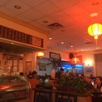 6/26/2015 tarihinde Karei D.ziyaretçi tarafından Szechuan Gourmet'de çekilen fotoğraf