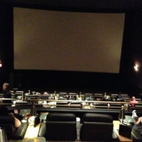Photo prise au Cinepolis Luxury Cinemas par Kerry C. le3/18/2013