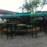 """รูปภาพถ่ายที่ Пивница """"Стар град"""" / """"Old Town"""" Brewery โดย Nadica J. เมื่อ 9/18/2012"""