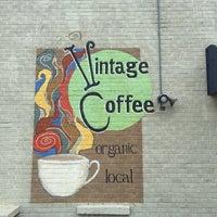 Das Foto wurde bei Vintage Coffee von Paul W. am 7/4/2015 aufgenommen