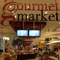 Das Foto wurde bei Gourmet Market von Big M. am 1/15/2013 aufgenommen