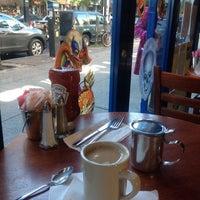 Foto diambil di Igloo Cafe oleh Meg R. pada 10/27/2013