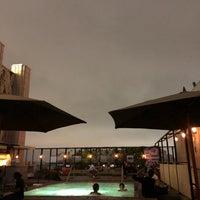 Das Foto wurde bei Ace Hotel Downtown Los Angeles von Natalia C. am 9/6/2018 aufgenommen