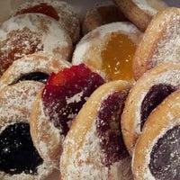 Снимок сделан в Weber's Bakery пользователем Denise Y. 1/27/2013