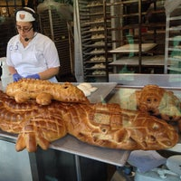 4/25/2013 tarihinde Leo G.ziyaretçi tarafından Boudin Bakery Café Baker's Hall'de çekilen fotoğraf