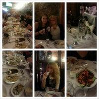 Foto diambil di Abbas Restaurant oleh Victoria K. pada 12/13/2012