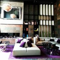 Das Foto wurde bei 11 Mirrors Design Hotel von Victoria K. am 6/4/2013 aufgenommen
