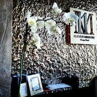 Das Foto wurde bei 11 Mirrors Design Hotel von Victoria K. am 5/15/2013 aufgenommen