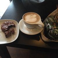 Foto tomada en Transcend Coffee por Shannon C. el 8/21/2015